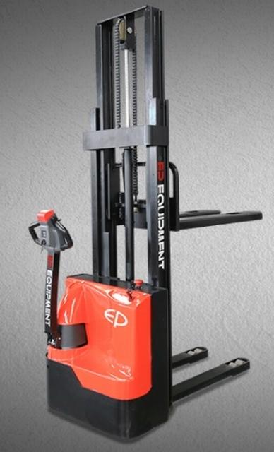 Vol elektrische stapelaar instap model 3300 mm 1500 kg