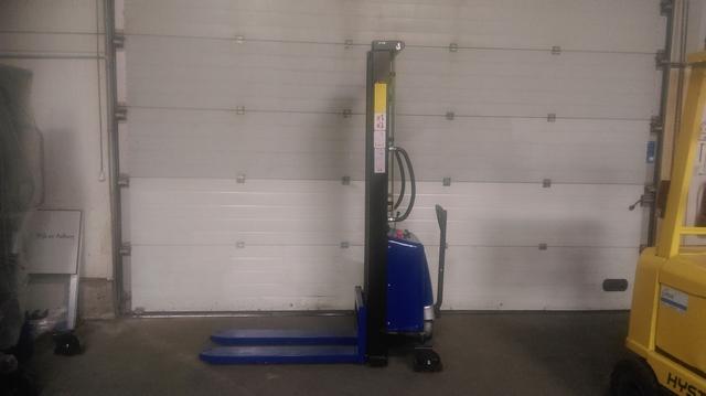 semi elektrische stapelaar 3500 mm 1500 kg