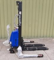Semi elektrische stapelaar 3000 mm 1500 kg breedspoor