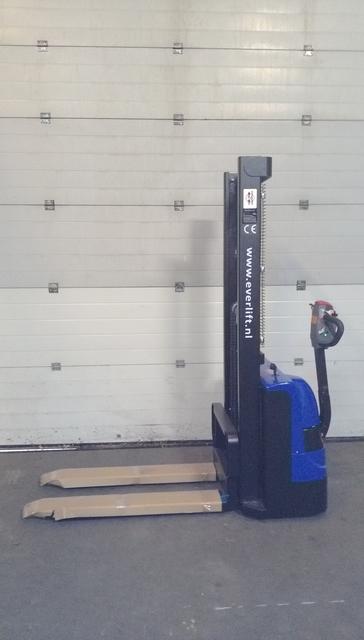 Vol elektrische stapelaar instap model 1600 mm 1000 kg
