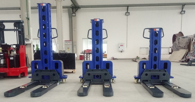 Semi elektrische meeneem stapelaar 500 kg 1300 mm