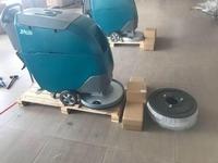 Schrobmachine werkbreedte 530 mm 2x 12v 100ah + aandrijving
