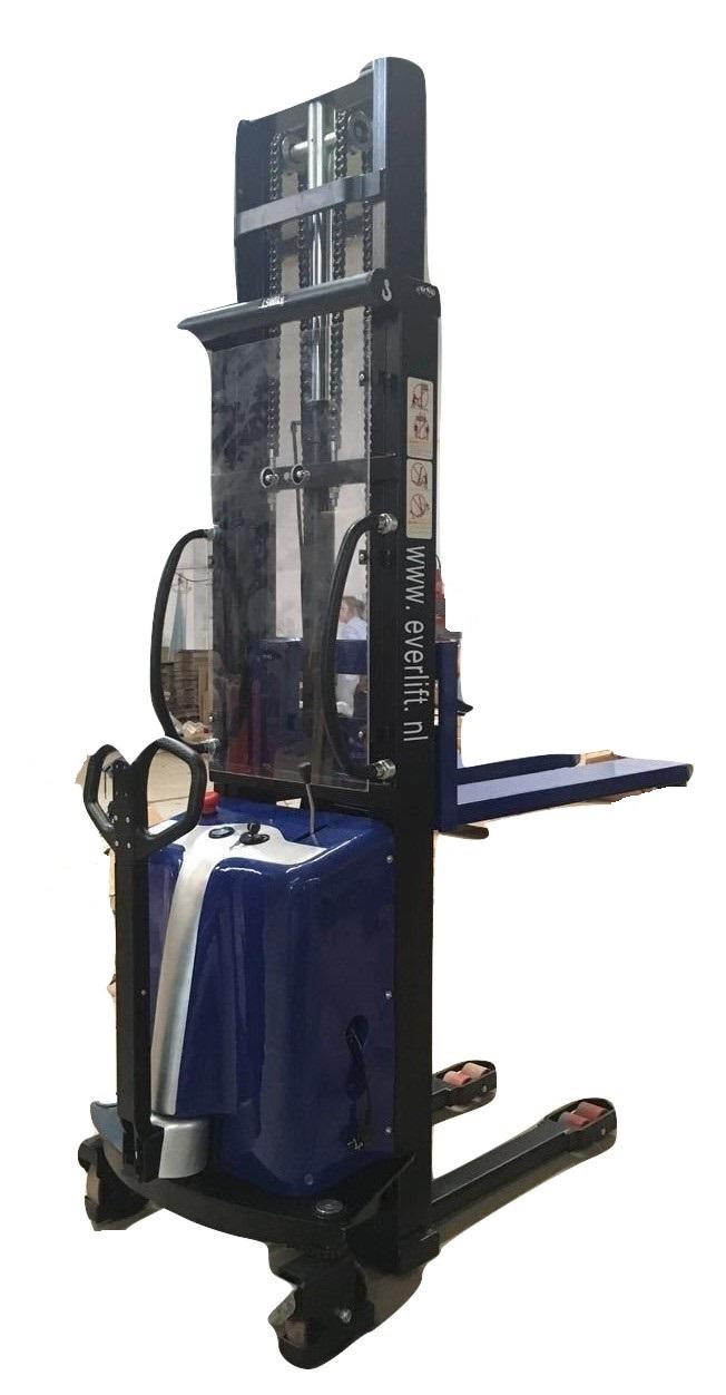 Semi- elektrische stapelaar